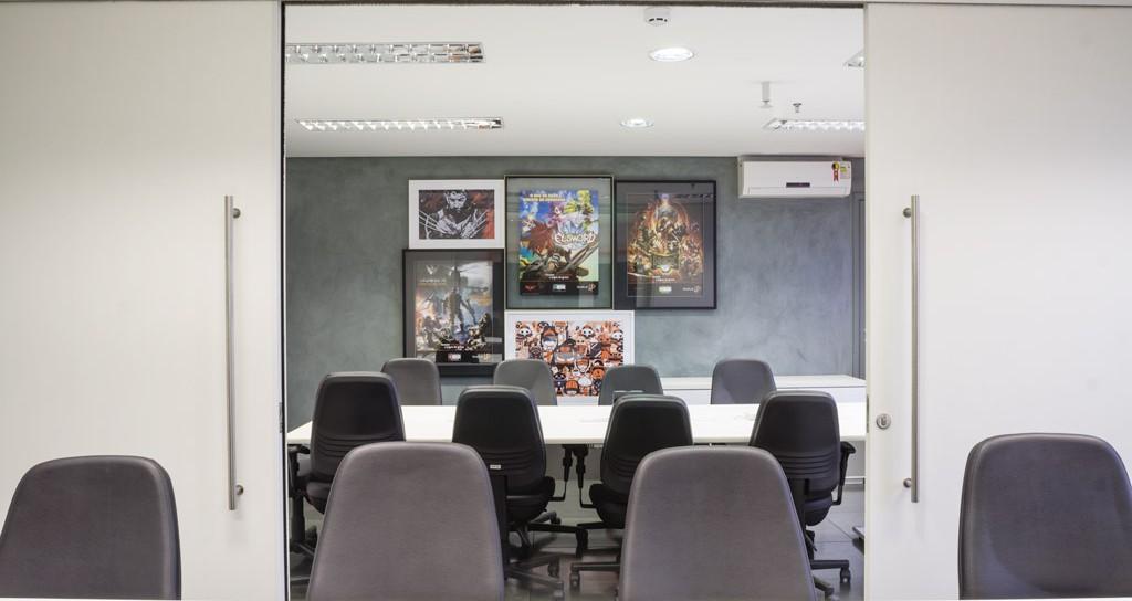 tieppo corporativo sala de reuniões