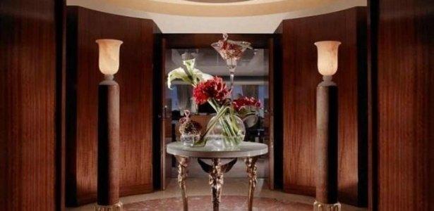 entrada-da-suite-mais-luxuosa-do-mundo-na-cidade-suica-de-genebra-1432733053186_615x300