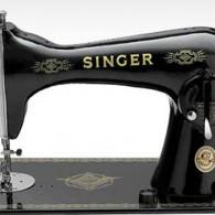 objetos-antigos-casa-avo-maquina-de-costura-singer-abre