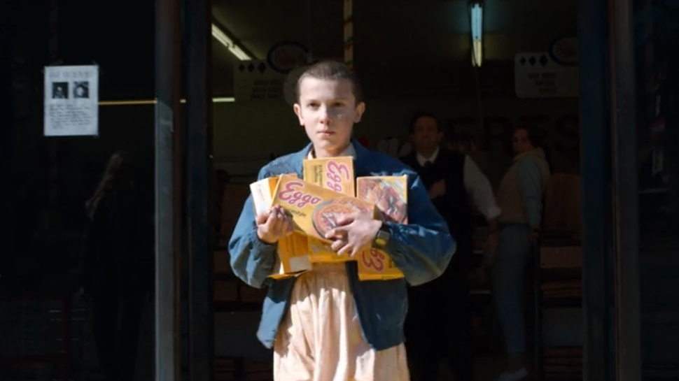 stranger-things-eleven-eggo-08082016